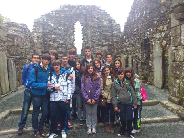 I En la iglesia de St. Kevin en el parque natural de Glendalough